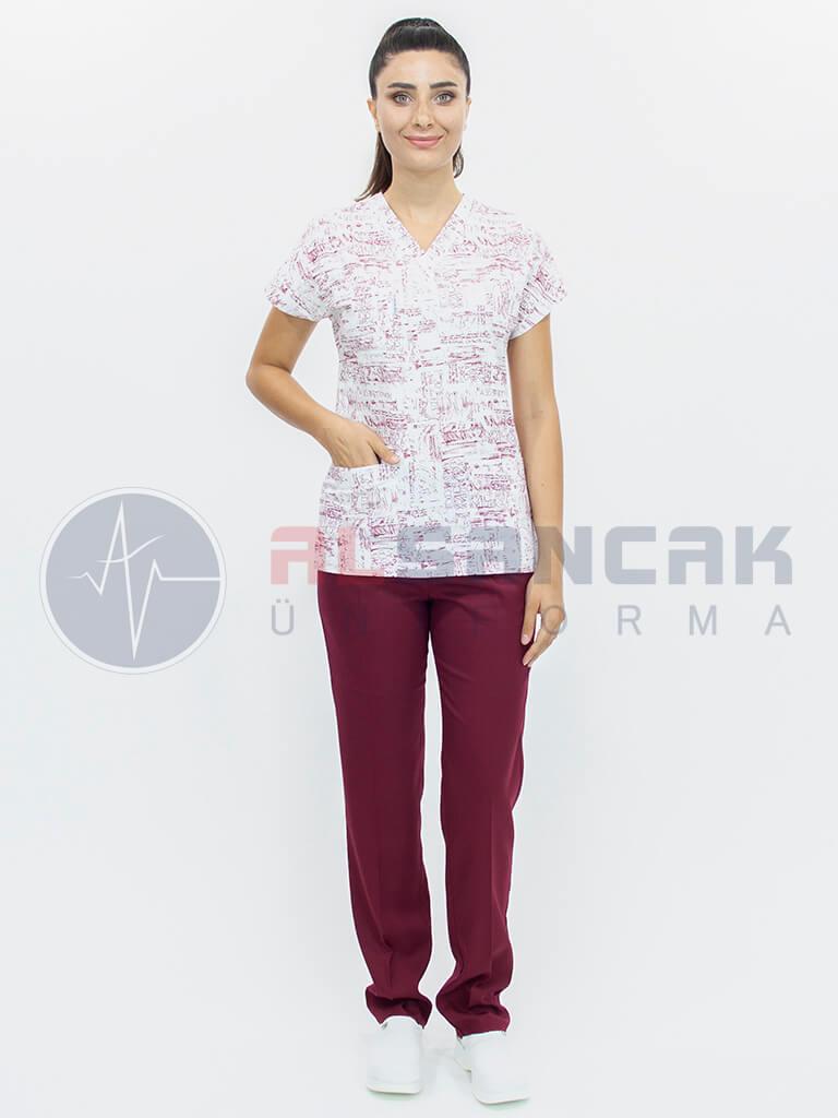Kadın Bordo Yazılı Splash Desenli Yarasa Kol Doktor ve Hemşire Forması (Tek Üst)