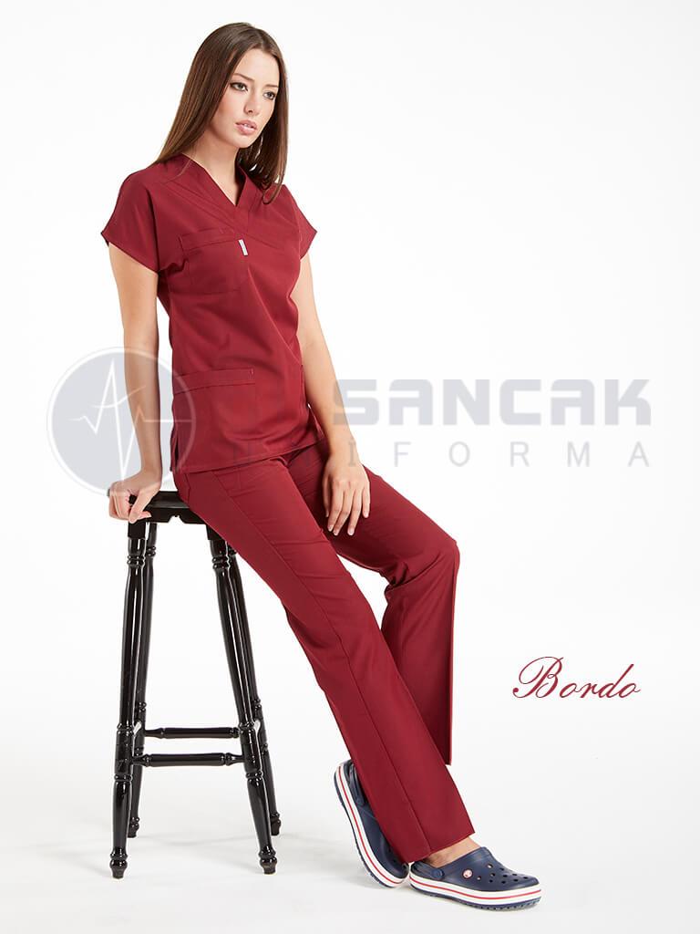 Bordo Likralı Doktor ve Hemşire Forması